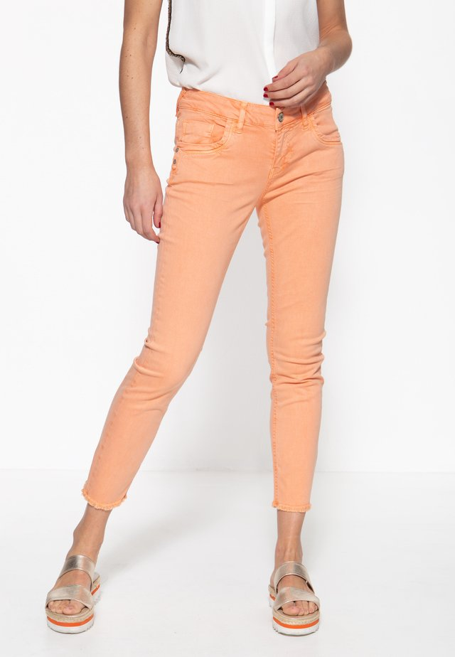 MIT OFFENEN S - Slim fit jeans - apricot