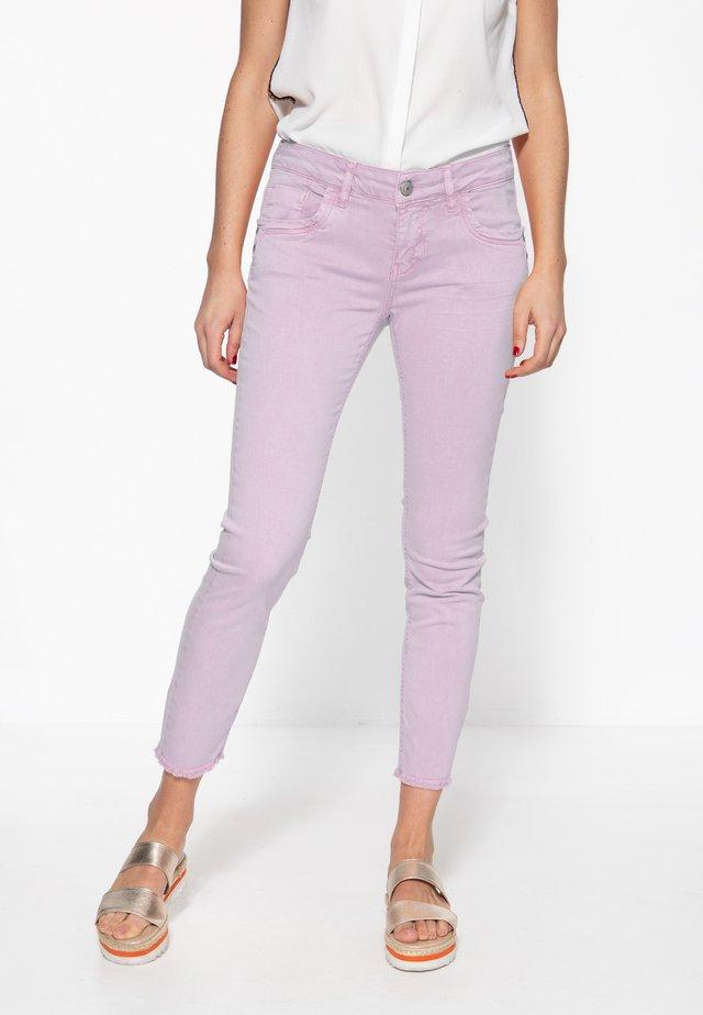 MIT OFFENEN S - Slim fit jeans - pastelllila