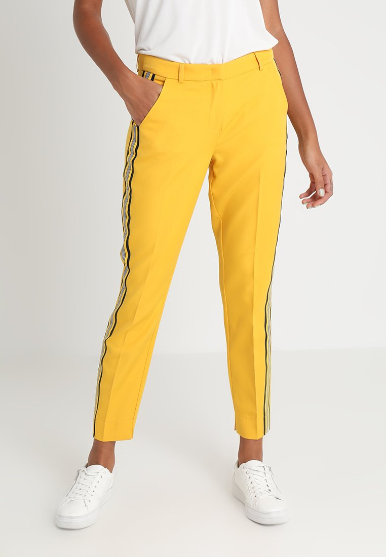 Aaiko - PARIENA - Trousers - dandelion