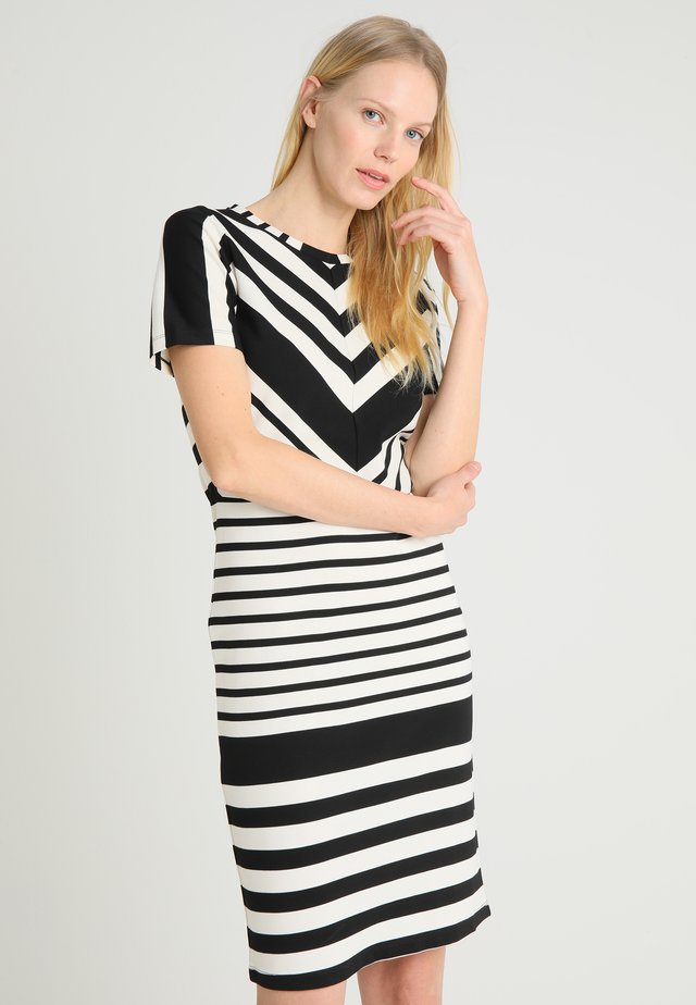 SARI - Shift dress - black