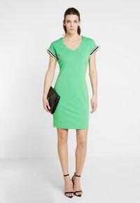 Aaiko - PRESTA  - Jersey dress - vibrant green - 2
