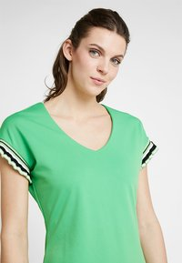 Aaiko - PRESTA  - Jersey dress - vibrant green - 4