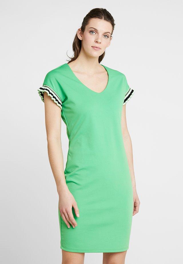 PRESTA  - Jersey dress - vibrant green