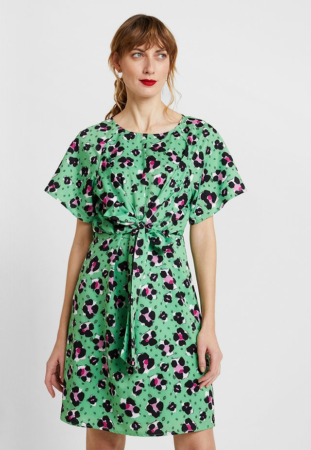 LYDIA - Day dress - vibrant green
