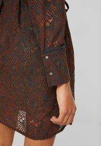 Aaiko - LADINA - Shirt dress - ginger - 6