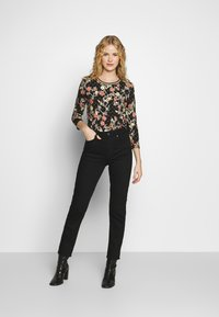 Aaiko - SINDY FLOWER - Long sleeved top - black - 1