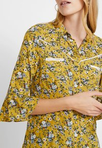 Aaiko - SILIE - Button-down blouse - golden olive - 5