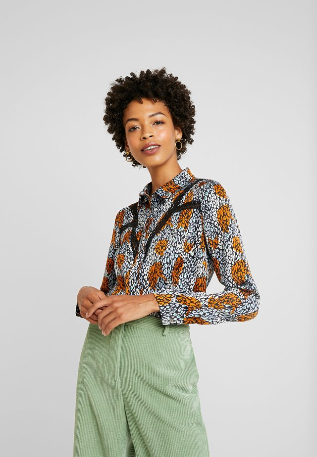 VILOU CAMO - Button-down blouse - ginger