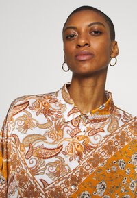 Aaiko - SADÉ - Button-down blouse - sudan brown - 4
