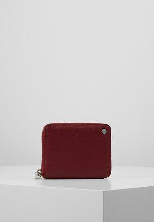 Peněženka - ruby