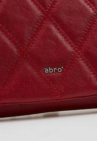 Abro - Clutch - ruby - 6