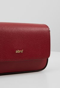 Abro - Taška spříčným popruhem - ruby - 6