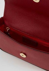 Abro - Across body bag - ruby - 4