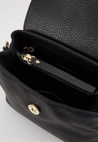 Abro - Across body bag - black/gold - 4