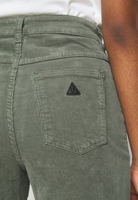 Abrand Jeans - A STREET ALINE - Bukse - gumnut - 4