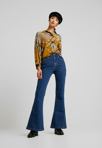 Abrand Jeans - A DOUBLE OH - Jeansy Dzwony - donna - 1