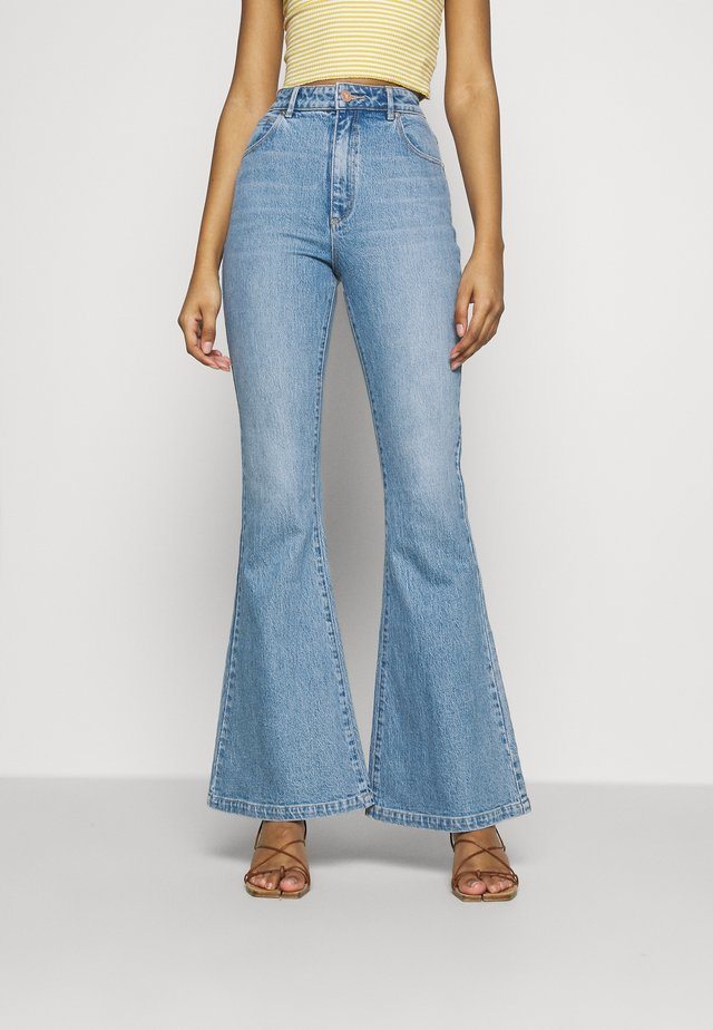 A DOUBLE OH - Flared jeans - feel it