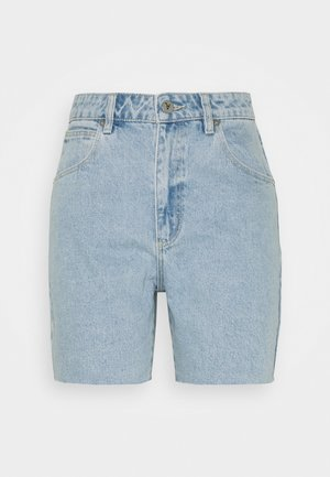A CLAUDIA CUT OFF - Jeansshorts - walk away