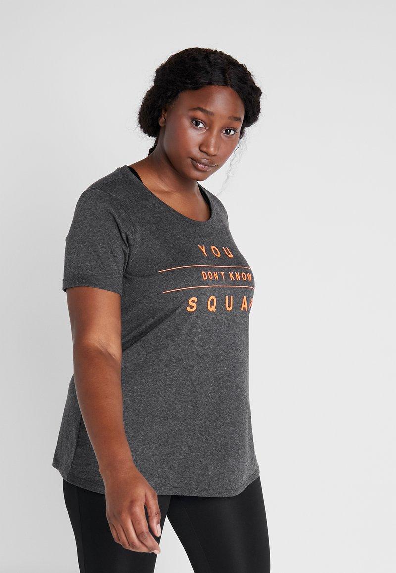 Active by Zizzi - ALUCY - T-shirt imprimé - dark grey melange/orange pop