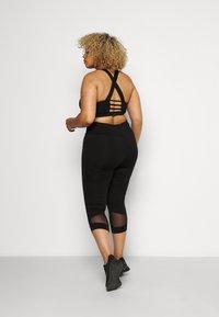 Active by Zizzi - ALURA KNICKERS - 3/4 sportovní kalhoty - black - 2