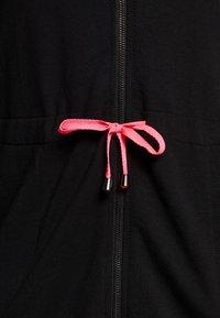 Active by Zizzi - AJUNIP LONG CARDIGAN - Zip-up hoodie - black - 3