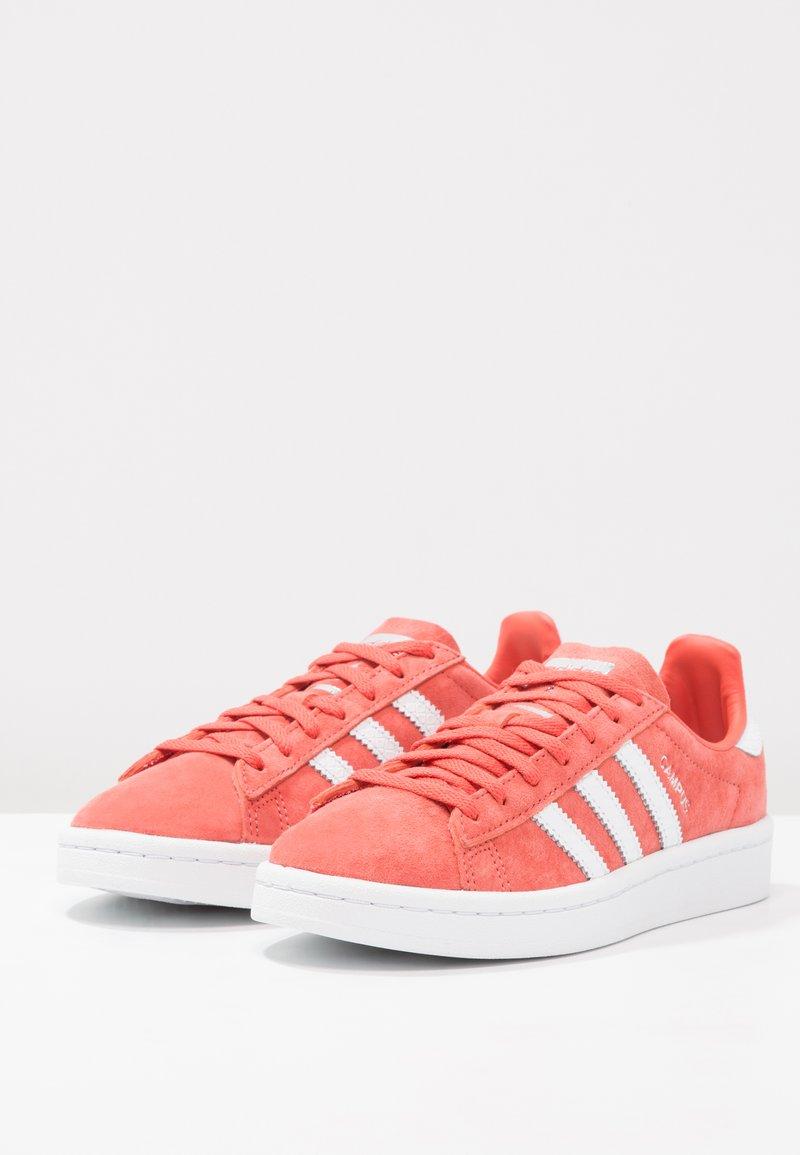 footwear Trace CampusBaskets Basses silver Metallic Originals Scarlet Adidas White qGjLMSVUzp