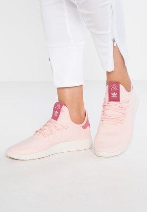 PW TENNIS HU - Trainers - ice pink/chalk white