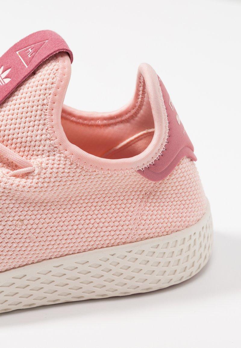 Tennis HuBaskets White Ice Pw Basses Adidas chalk Originals Pink 08wknOP