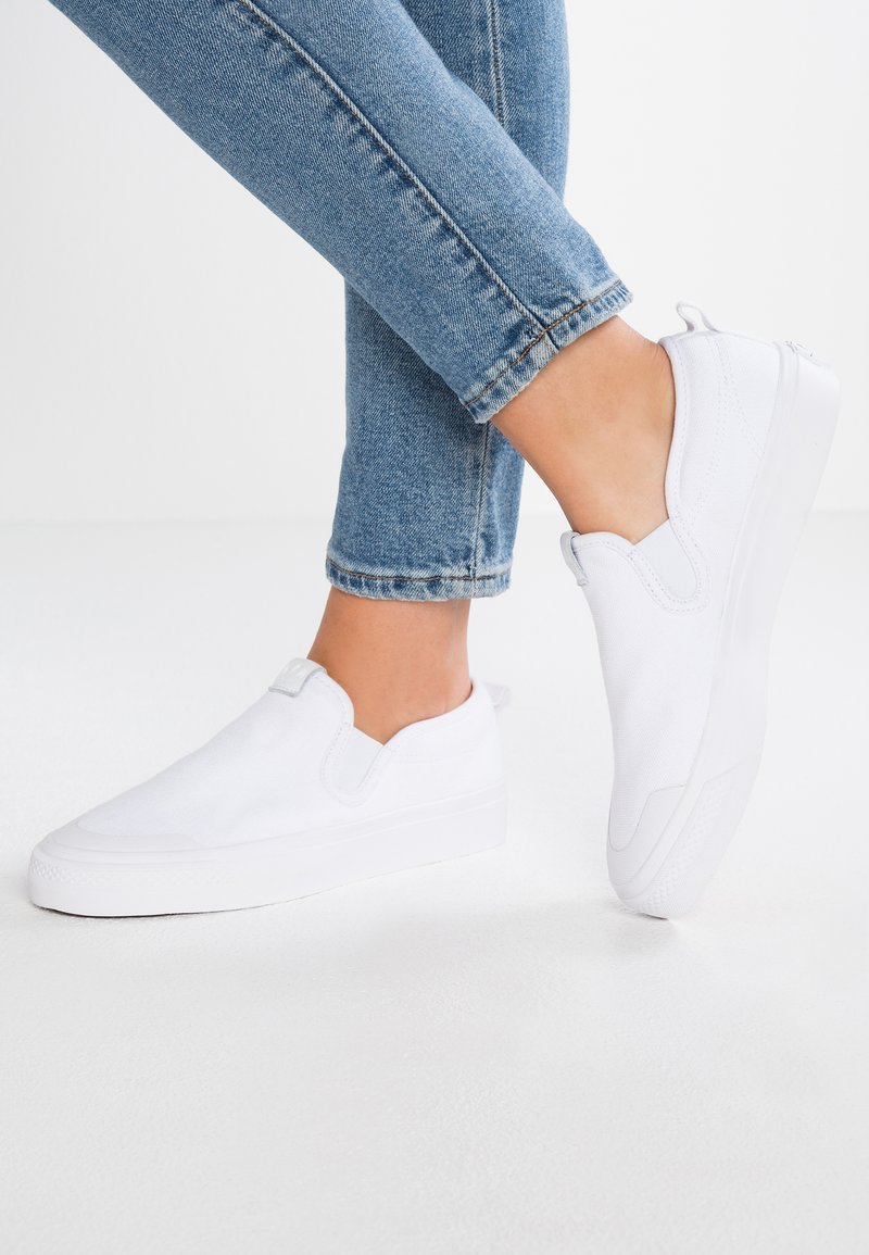 adidas Originals - NIZZA SLIP ON - Mocassins - footwear white