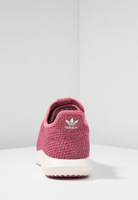 adidas Originals - TUBULAR SHADOW - Sneakers laag - trace maroon/chalk white/cloud white - 5
