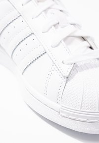 adidas Originals - SUPERSTAR - Sneakers - footwear white/grey one - 2