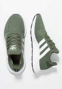 adidas Originals - SWIFT RUN - Sneakers - base green/footwear white/core black - 3