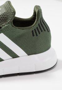 adidas Originals - SWIFT RUN - Sneakers - base green/footwear white/core black - 2