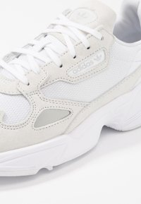 adidas Originals - FALCON - Sneaker low - footwear white/crystal white - 2