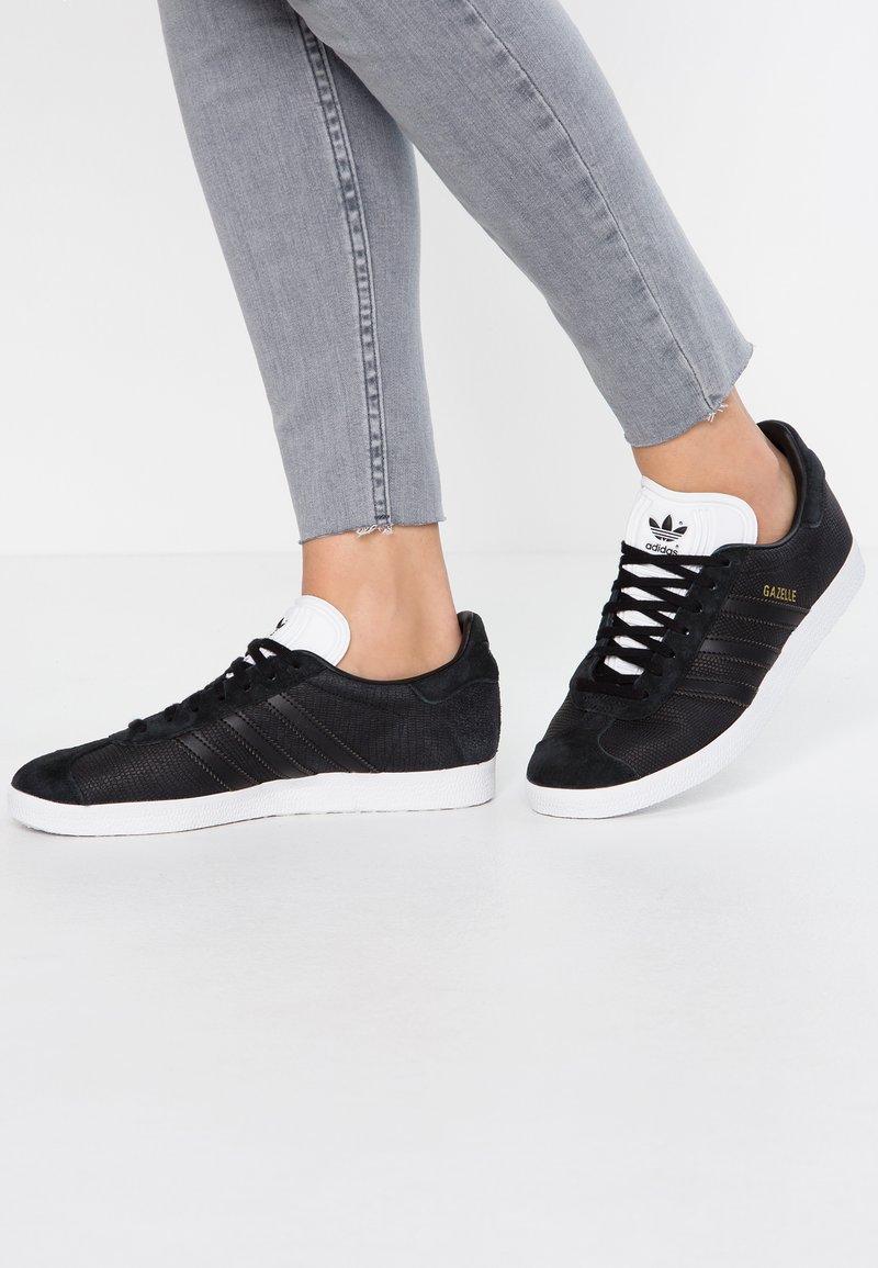 adidas Originals - GAZELLE - Baskets basses - core black/footwear white