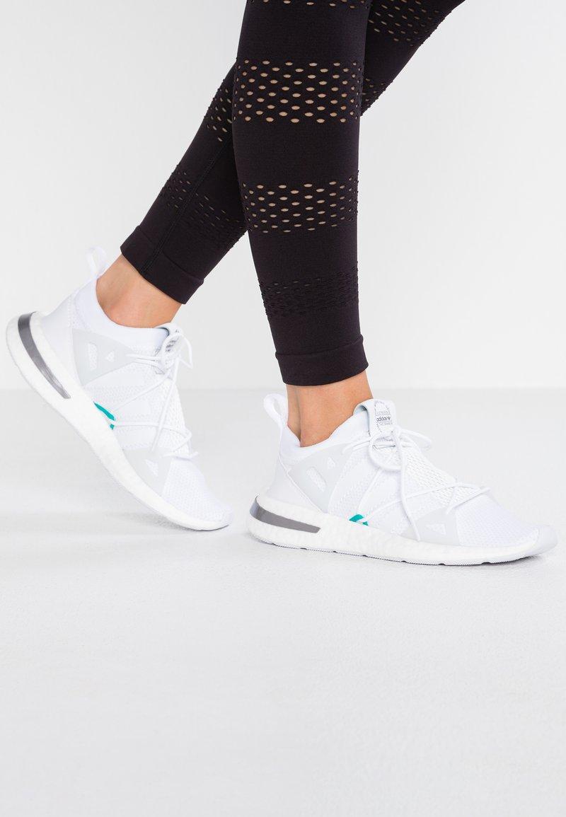 adidas Originals - ARKYN - Sneakers - footwear white/greyone