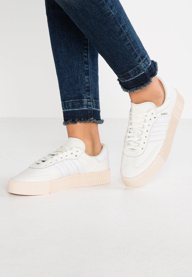 adidas Originals - SAMBAROSE - Sneakers - offwhite/footwear white