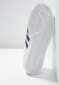 adidas Originals - SUPERSTAR - Sneakers - footwear white/legend purple - 6