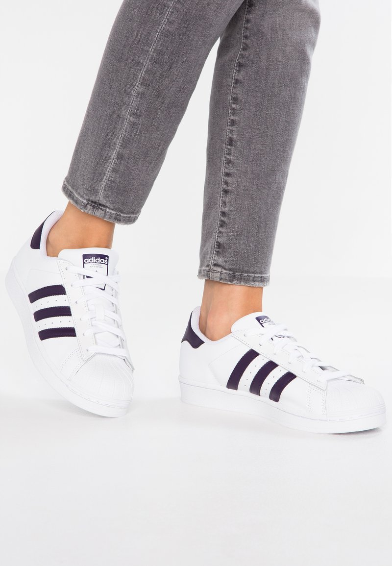 adidas Originals - SUPERSTAR - Sneaker low - footwear white/legend purple
