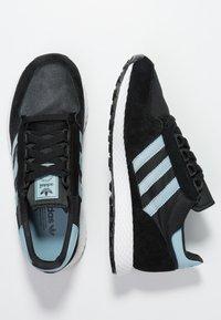 adidas Originals - FOREST GROVE - Sneakers - core black/ashgrey/chalk white - 3