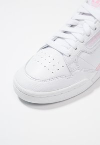 adidas Originals - CONTINENTAL 80 - Sneakersy niskie - footwear white/true pink/clear pink