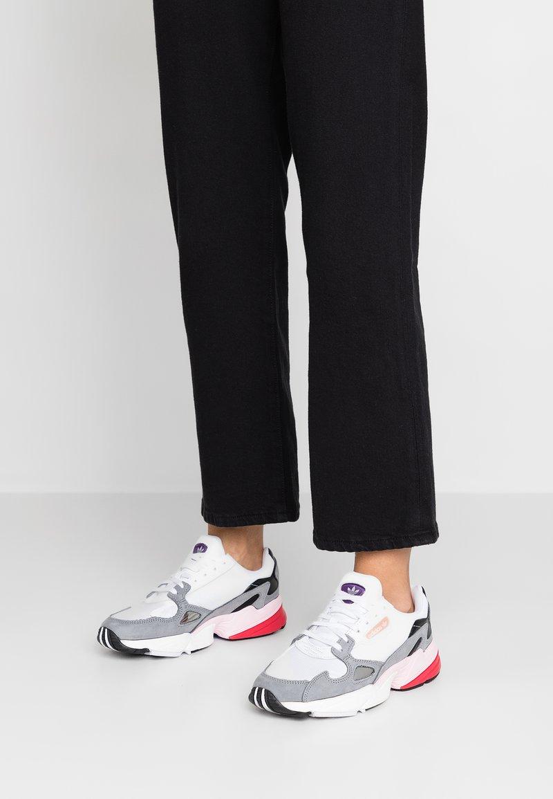 adidas Originals - FALCON - Baskets basses - footwear white/grey heather