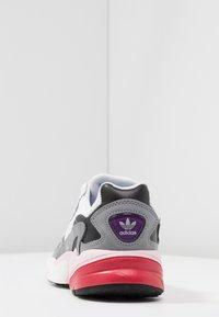 adidas Originals - FALCON - Baskets basses - footwear white/grey heather - 5