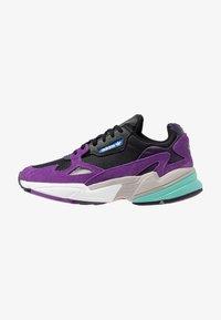 footwear white/active purple