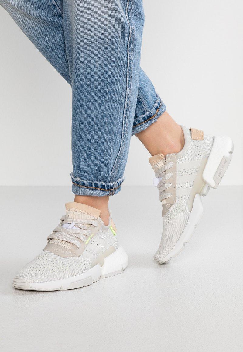 adidas Originals - POD-S3.1 PK - Sneakersy niskie - raw white/hi-res yellow