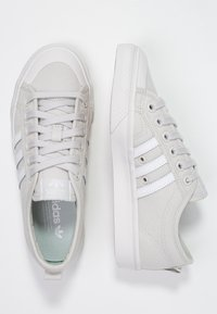 adidas Originals - NIZZA - Baskets basses - grey one/footwear white/crystal white - 3