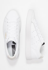 adidas Originals - SLEEK - Sneakersy niskie - footwear white/crystal white - 3