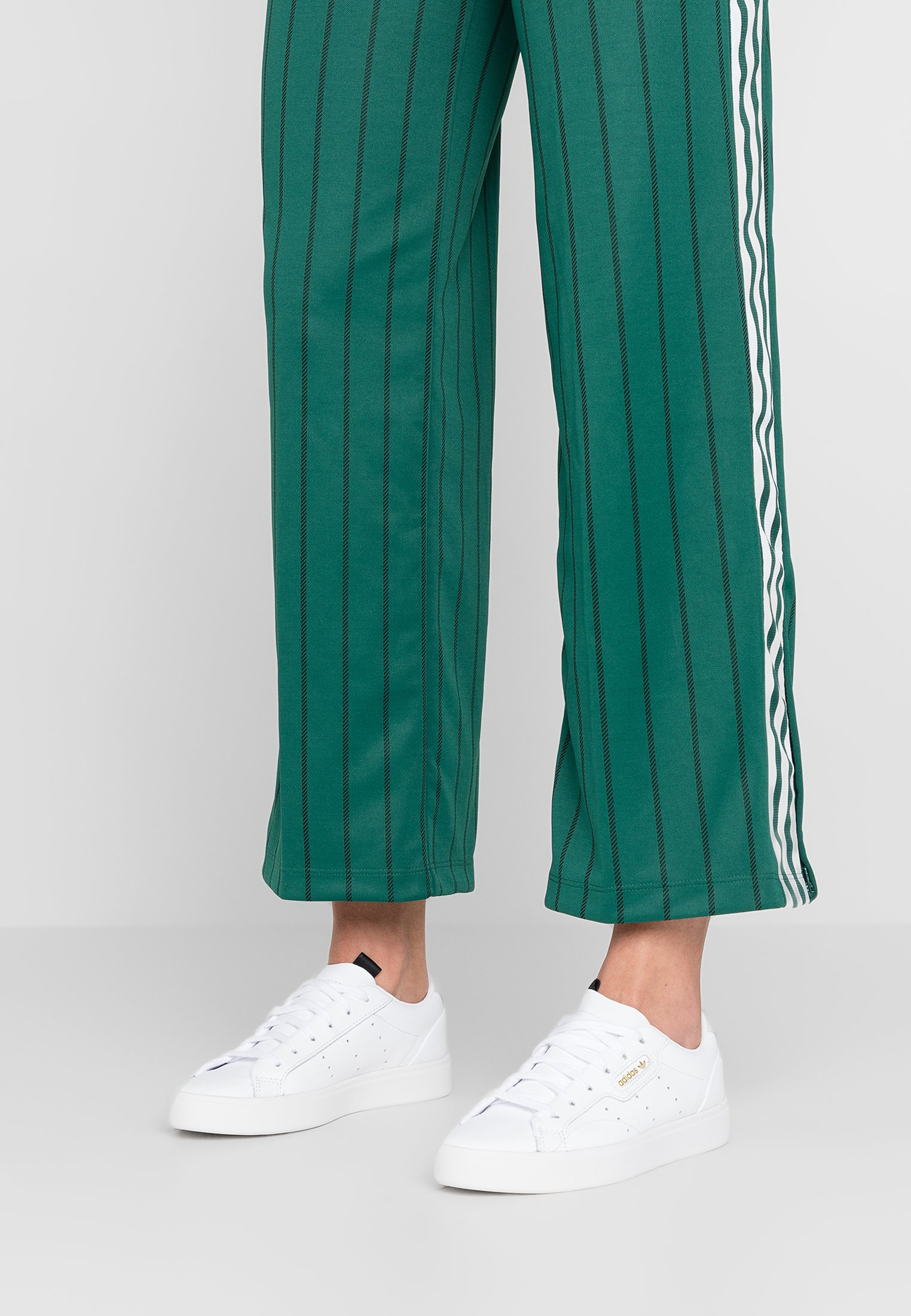 adidas Originals SLEEK - Zapatillas - footwear white/crystal ...