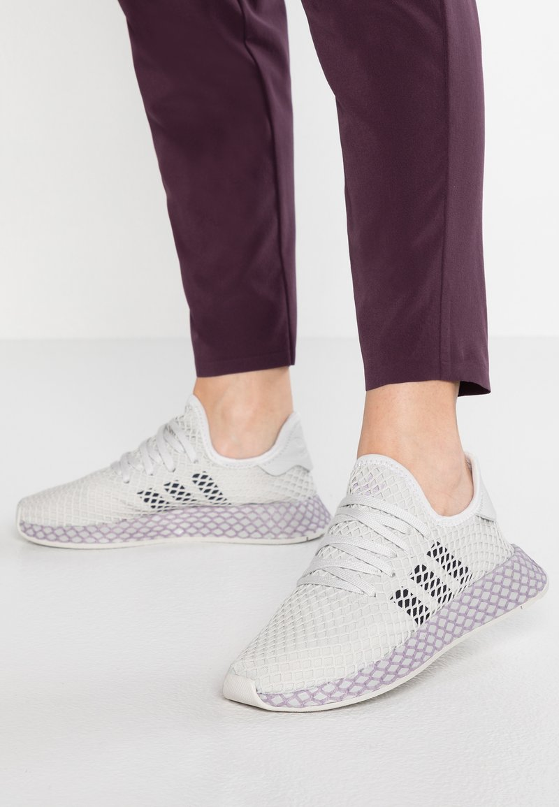adidas Originals - DEERUPT RUNNER - Sneakers - grey one/carbon/soft vision