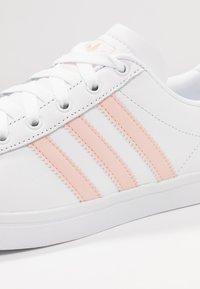 adidas Originals - COAST STAR STREETWEAR-STYLE SHOES - Sneaker low - footwear white/vapor pink - 2